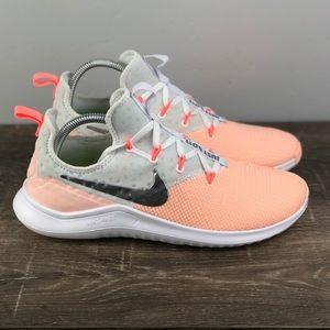 NEW Nike Free TR 8